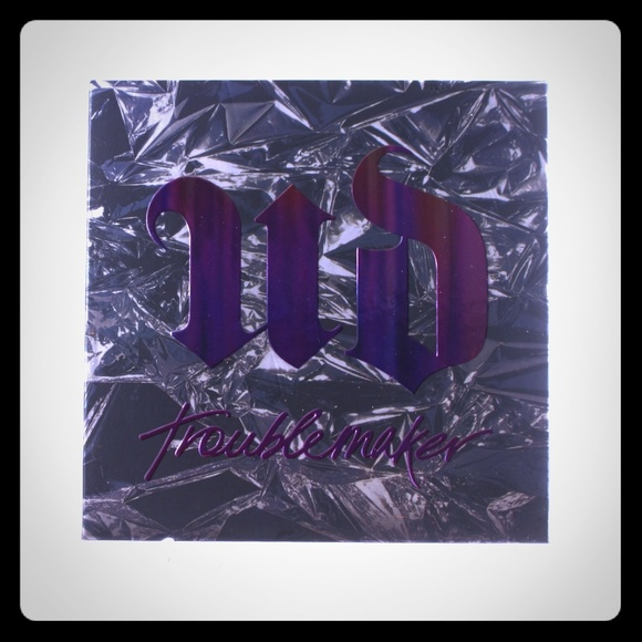 Urban Decay Other - Urban Decay Troublemaker